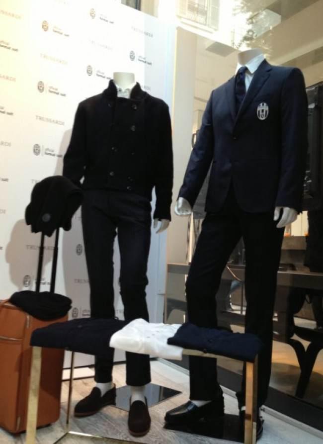 Abito Elegante Juventus.Un Levriero Per La Signora Trussardi Veste La Juventus